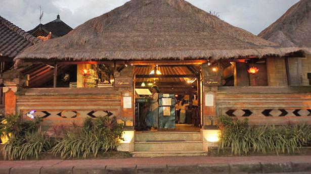 Cafe Lotus Restaurant Ubud Bali Macaron Magazine