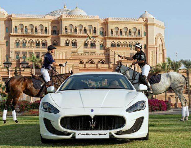 Coutts Polo At The Palace Will Pamper 1000 With Sporting Shopping And Champagne