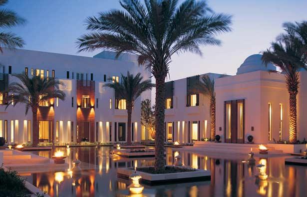 Explore muscat city oman via the chedi muscat macaron for Designhotel oman