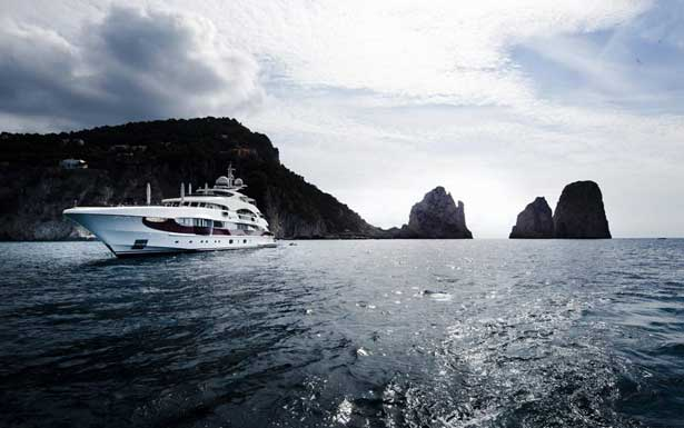 Tour the Gorgeous Islands of the Philippines in Style with a Luxury Yacht Charter