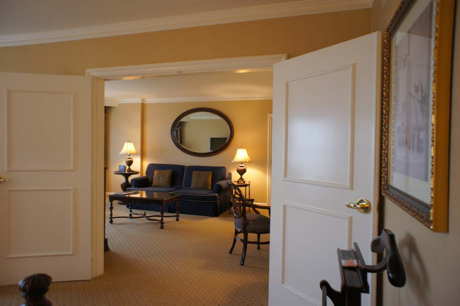The Langham Huntingto Club-level Huntington Suite