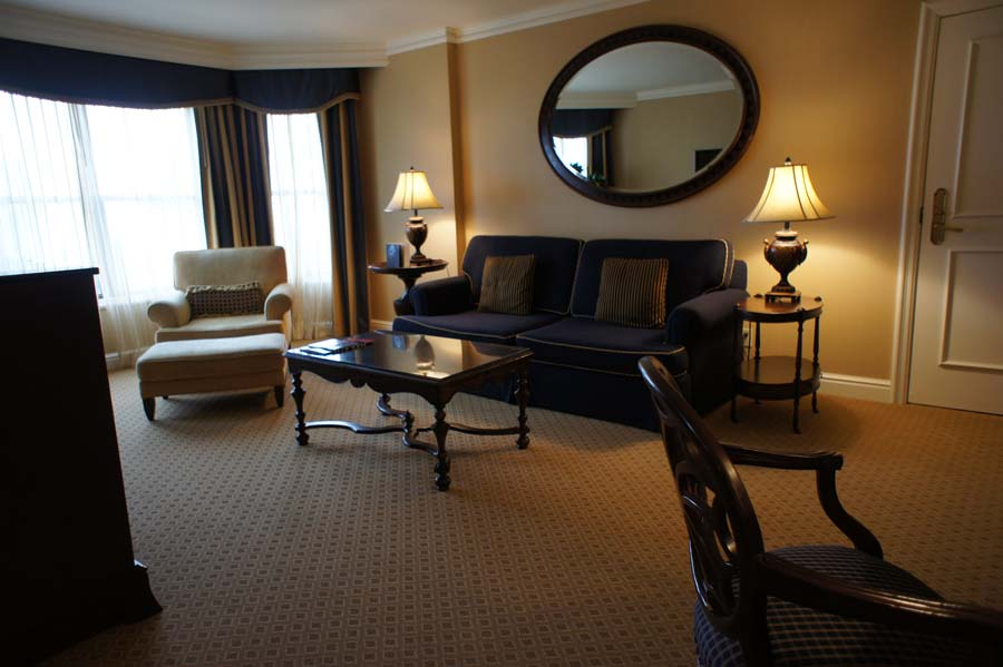 The-Langham-Huntington-Pasadena-Club-level-Huntington-Suite-2