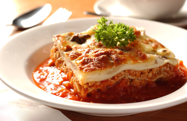 Rich Meat Lasagna with Herbed Tomato Sauce