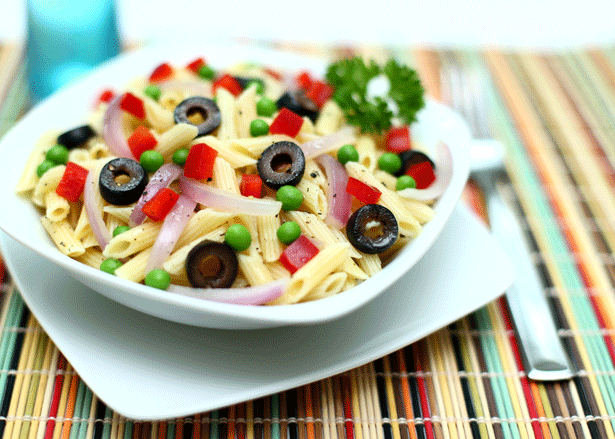 Recipe: Penne Pasta with Red Bell Peppers and Peas in a Garlic Broth