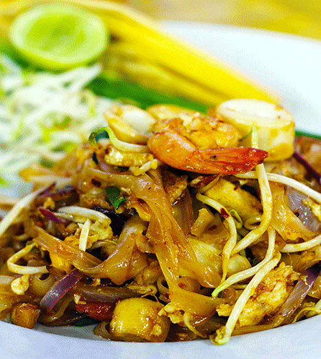 Recipe: Spicy Pad Thai with Shrimp and Scallops