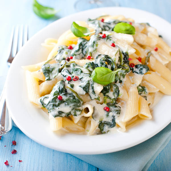 Easy Recipe: Penne with Creamy Spinach and Pink Peppercorns